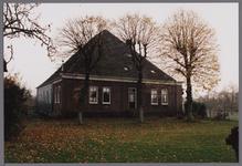 WAT001003843 Boerderij met de naam De Heer van Egmond uit de 17e of 18e eeuw met gevels uit het derde kwart van de 19e ...