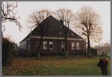 WAT001003842 Boerderij met de naam De Heer van Egmond uit de 17e of 18e eeuw met gevels uit het derde kwart van de 19e ...