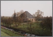 WAT001003844 Boerderij met de naam De Heer van Egmond uit de 17e of 18e eeuw met gevels uit het derde kwart van de 19e ...
