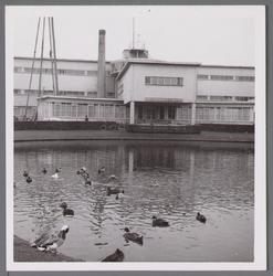 WAT001003875 Uitbreiding van het Stadsziekenhuis uit 1940, ontworpen door de Purmerendse architecten Jan Plas en ...
