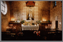 WAT001007902 Interieur van de nieuwe Katholieke kerk. Ingewijd oktober 1956.
