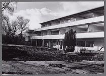 WAT001003889 Het Stadsziekenhuis ontworpen door de Purmerendse architecten Plas en Koning. Op 17 januari 1939 ging de ...