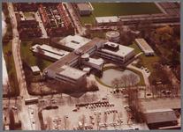 WAT001003890 Luchtfoto van het Stadsziekenhuis ontworpen door de Purmerendse architecten Jan Plas en Corn.Koning en ...