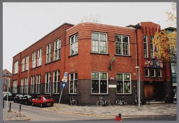 WAT001004002 Openbare lagere school (later school voor Christelijk Nationaal Onderwijs) gebouwd van 1921-1922 op de ...