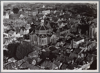 WAT001004585 Luchtfoto van het centrum van Purmerend met in het midden de Koepelkerk.