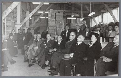 WAT001004890 Opening Groenteveiling B.P. en O. (Beemster, Purmerend en omstreken).Op 9 april 1953 vond de opening ...