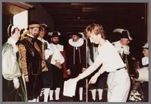WAT001005273 Officiële opening van het jubleumjaar door commissaris der Koningin drs. R. J. de Wit, vrijdag 13 april ...