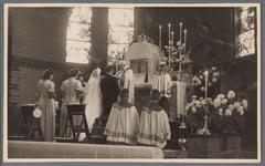 WAT001007397 Huwelijksinzegening van Jan Mak en Corrie Floore in de r.k. Maria Magdalena kerk te Wormer. Pastoor: ...