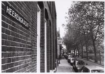 WAT001008576 De zgn Korte Herengracht met de nrs 19-27 met op de voorgrond het voormalige Postkantoor