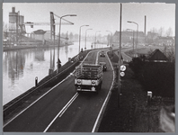 WAT001008752 Nog voor de opening van de Gorsweg.Links: zandoverslag bij de firma van Vliet aan het Noord-Hollands ...