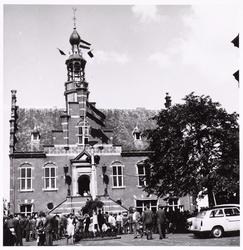 WAT001008834 Festiviteiten bij het Stadhuis.Neonrenaissancistisch stadhuis van Purmerend, gebouwd in de jaren 1911-1912 ...