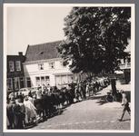 WAT001008857 Doortocht van de president van Oostenrijk dr. A. Scharf op weg naar Volendam en Lelystad