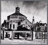 WAT001008887 Op de achtergrond de Koepelkerk uit 1853, gebouwd in opdracht van de Hervormde gemeente. Het ontwerp was ...
