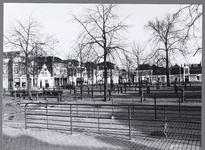 WAT001009032 Overzicht Koemarkt, rechts op de achtergrond De Doele