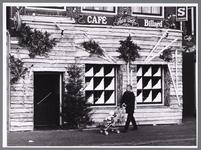 WAT001009040 Café biljard Aad de Wolf in kerstsfeer.