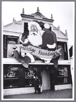 WAT001009045 Het café van Purmerend in kerstsfeer.
