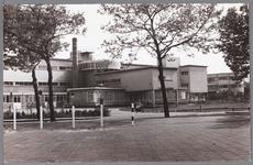 WAT001009721 Op de foto: voorzijde van het stadsziekenhuis, waar zich de operatiekamer bevond, gestut door pilaren. Het ...