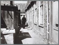 WAT001010451 Zijsteeg Zuidersteeg.Werd bewoond door o.a. Ch.H.Huizing v/h glazenwasser en mevr. Bruining-Ypema.
