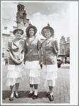 WAT001014089 KaasmeisjesDrie Purmerendse kaasmeisjes op hun werkplek. Van links naarrechts Chanel de Jong, Nienke de ...