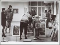 WAT001014486 Dag van de KunstuitleenDe Kunstuitleen Museum Waterland neemt zaterdag 7 november deel aan de Dag van de ...