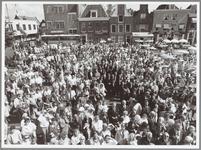 WAT001014867 Opening Poortersfeesten.Drukte op de Koemarkt ter gelegenheid van de opening van de Poortersfeesten.