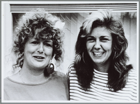 """WAT001015971 De kersverse onderneemsters Gerda Zwaneveld en Trudy Morgan: """"Zonder de Anna Polakschool waren we nooit ..."""
