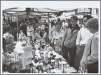 WAT001016134 De Groene markt. Tijdens de milieumarkt die op de Kaasmarkt wordt gehouden, zullen veel organisaties en ...