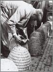 WAT001016191 Tweede bijenmarkt gehouden in Purmerend.Slechte handel op de tweede bijenmarkt.Ondanks het slechte weer, ...
