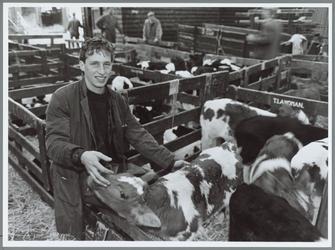 """WAT001016237 Foto: Jaap de Haas: """"Ik heb geen opleiding gehad voor veehandelaar, want dat bestaat niet.'De Haas vertelt ..."""