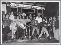 WAT001016363 Westernavond in bar/café De Smoeshaan het ging er gezellig aan toe.