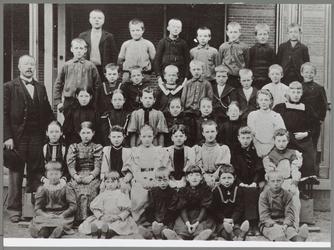 WAT001016654 Klassefoto van een onbekende school.
