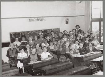 WAT001016663 R.-k. meisjesschool St. Catharina.