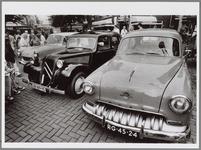 WAT001017120 Oude auto's op de Kaasmarkt