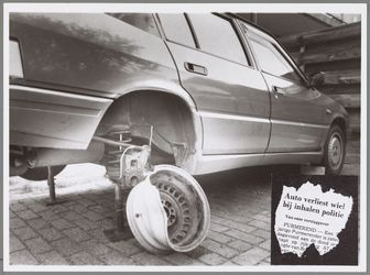 WAT001017125 Foto: De Alfa 33 met daarnaast de gescheurde velg staat nog steeds achter de woning van de familie ...