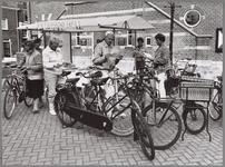 WAT001017250 Fietsersbond ENFB met een stand op de Kaasmarkt.