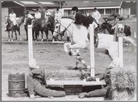 WAT001017282 Paard en ruiter.