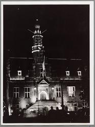 WAT001017508 Verlichting van het Raadhuis t.g.v. het 550 jarig bestaan van Purmerend als stad Festiviteiten van 8-16 ...