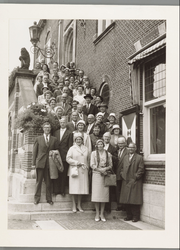 WAT001017509 550 jarig bestaan van stad Purmerend. Waterlandse burgemeesters en secretarissen in Purmerend.Voorgrond: ...