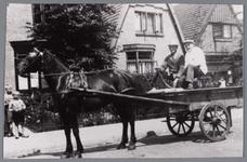 WAT002000161 Paard en wagen voor winkel van kruidenier Andriga met slager Kooiman?