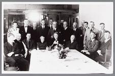 WAT002000400 Café Landzicht.Vooraan v.l.n.r. Klaas Kramer Jz., Klaas Kramer, Jan Kramer Kz. (1904) (eigenaar), E. ...