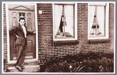 WAT002000643 Dirk Heijne, kleinzoon van bakker Gerrit Heijne, bijgenaamd waterbol.