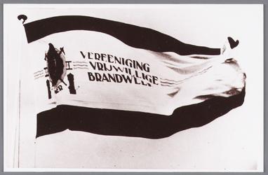 WAT002000654 Vlag van de vrijwillige brandweer van Wormer.