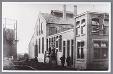 WAT002000817 De gasfabriek te Wormer uit 1912.Links de gashouder.Fabriek gesloopt in januari 1930.