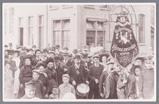 WAT002000819 Het was een drukte van belang bij de ingebruikname van de gasfabriek op 11 juli 1912.Fanfarekorps ...