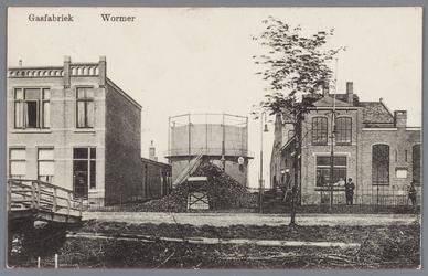 WAT002000821 De gasfabriek te Wormer (uit 1912)Met in het midden de gashouder.Fabriek gesloopt in januari 1930.