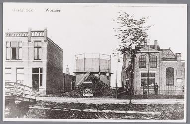 WAT002000824 De gasfabriek te Wormer (uit 1912)Met in het midden de gashouder.Fabriek gesloopt in januari 1930.