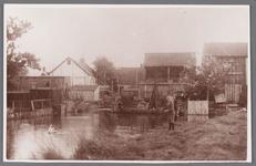 WAT002001021 Achter de Gereformeerde kerk ''de Tempel'' aan de Dorpsstraat 199.Eerste steen is gelegd op 31 mei 1905.