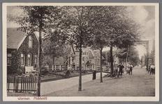 WAT002001084 De Middentil in de Dorpsstraat, gezien naar het westen, omstreeks 1935.Nadat vanaf 1912 een groot gedeelte ...