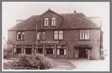 WAT002001109 R.K. verenigingsgebouw Sint-Joseph. Het werd in 1915 gebouwd als kaasfabriek en later kwam er een ...