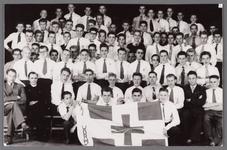 WAT002001120 KAJ Katholieke Arbeiders Jeugd te Wormer.Foto achterste rij v.l.n.r. Lauw Vredevoort, Jos Mak, Jan ...